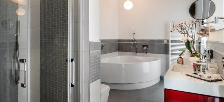 Hotel Ramada Plaza Milano: Salle de Bains - Suite MILAN