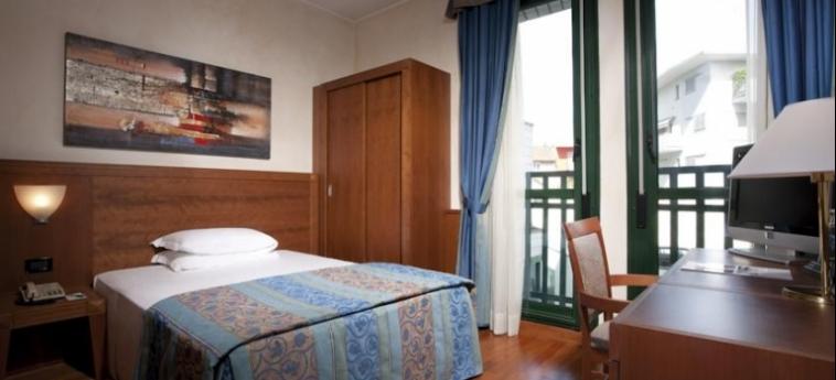 Hotel Raffaello: Camera Matrimoniale/Doppia MILANO