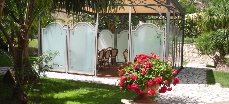 Hotel Garibaldi: Giardino MILAZZO - MESSINA