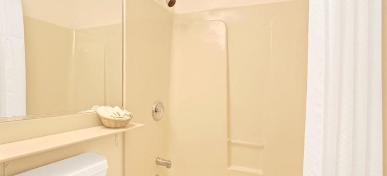 Hotel Travelodge: Bathroom MILL VALLEY (CA)