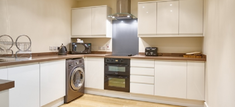 Charter House Serviced Apartments - Shortstay Mk: Cocina MILTON KEYNES