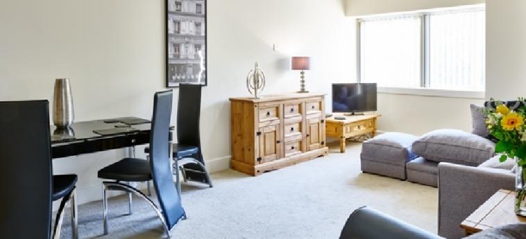 Charter House Serviced Apartments - Shortstay Mk: Salotto MILTON KEYNES