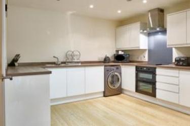 Charter House Serviced Apartments - Shortstay Mk: À manger MILTON KEYNES