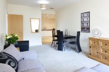 Charter House Serviced Apartments - Shortstay Mk: Apartment MILTON KEYNES
