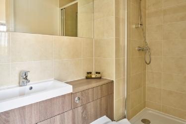 Charter House Serviced Apartments - Shortstay Mk: Salle de Bains MILTON KEYNES