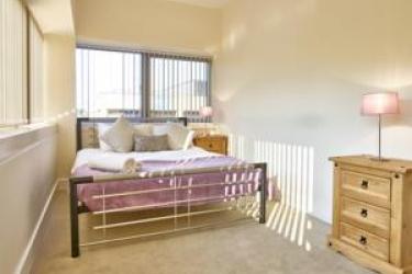 Charter House Serviced Apartments - Shortstay Mk: Salle meeting MILTON KEYNES