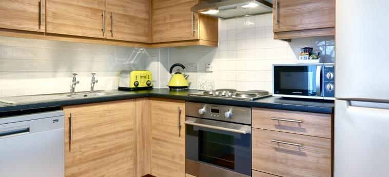 The Hub Serviced Apartments – Shortstay Mk: Cucina MILTON KEYNES