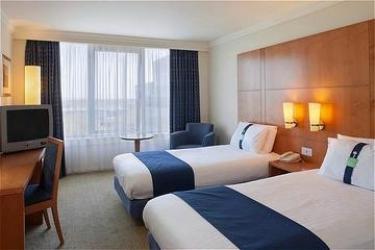 Hotel Holiday Inn Milton Keynes Central : Twin Room MILTON KEYNES