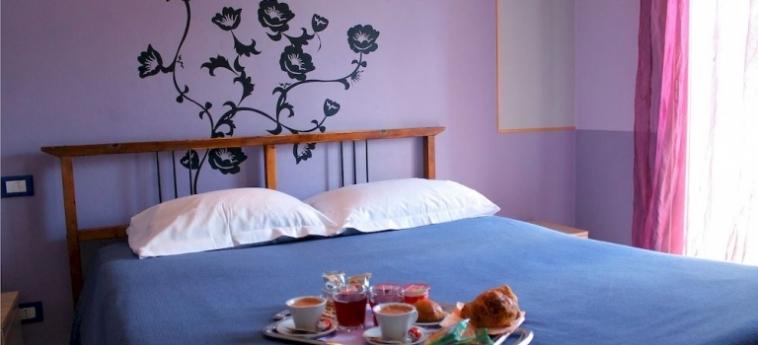 Hotel Exagon: Schlafzimmer MONDRAGONE - CASERTA