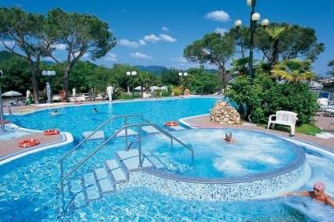 Hotel Terme Augustus: Outdoor Swimmingpool MONTEGROTTO TERME - PADUA