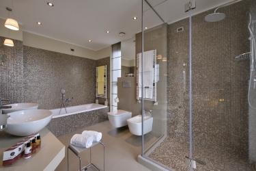 Hotel Esplanade Tergesteo: Badezimmer - Suite MONTEGROTTO TERME - PADUA
