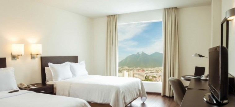 Hotel Fiesta Inn Monterrey Tecnológico: Vista MONTERREY