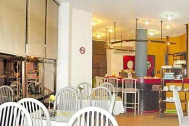 Hotel Tres Cruces: Bar MONTEVIDEO
