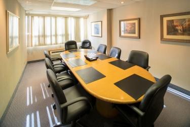 Hotel Quality Inn & Suites P.e. Trudeau Airport: Instalaciones para reuniones MONTREAL