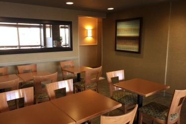 Hotel Quality Inn & Suites P.e. Trudeau Airport: Hotel interior MONTREAL