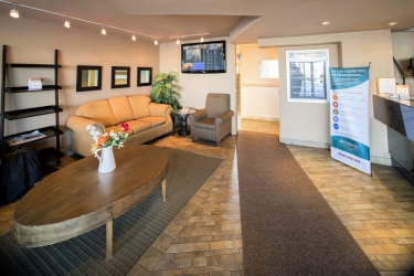 Hotel Quality Inn & Suites P.e. Trudeau Airport: Lobby MONTREAL
