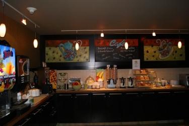 Hotel Quality Inn & Suites P.e. Trudeau Airport: Sala de Desayuno MONTREAL