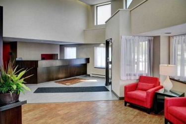 Hotel Comfort Inn Laval: Lobby MONTREAL