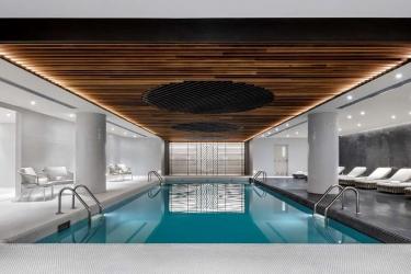 Hotel Fairmont The Queen Elizabeth: Swimming Pool MONTREAL