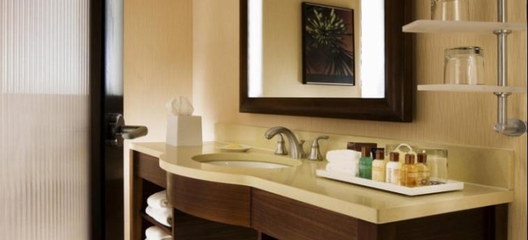 Hotel Le Centre Sheraton Montreal: Bathroom MONTREAL