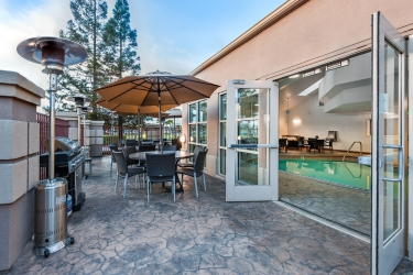 Holiday Inn Express Hotel & Suites San Jose Morgan Hill: Terraza / Patio  MORGAN HILL (CA)