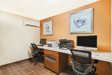 Holiday Inn Express Hotel & Suites San Jose Morgan Hill: Business Centre MORGAN HILL (CA)