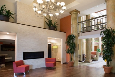 Holiday Inn Express Hotel & Suites San Jose Morgan Hill: Lobby sitting area MORGAN HILL (CA)