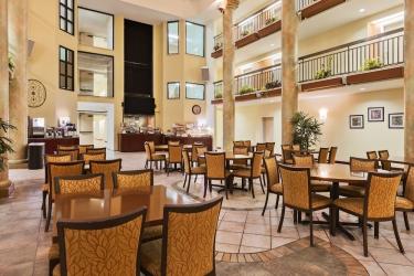 Holiday Inn Express Hotel & Suites San Jose Morgan Hill: Restaurant MORGAN HILL (CA)
