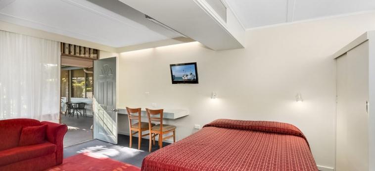 Hotel Comfort Inn Cedar Lodge: Vue des chambres MORWELL
