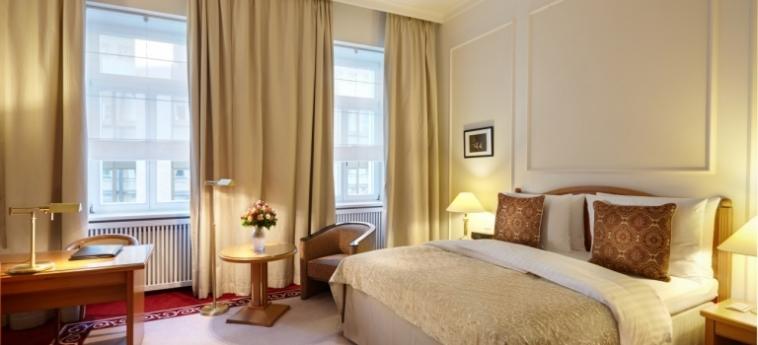 Hotel Baltschug Kempinski: Schlafzimmer MOSKAU