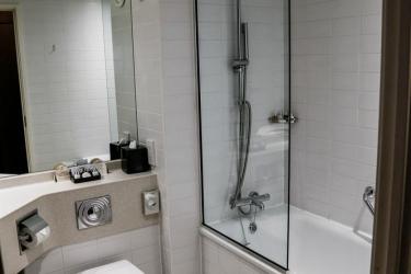 Alona Hotel: Cuarto de Baño MOTHERWELL