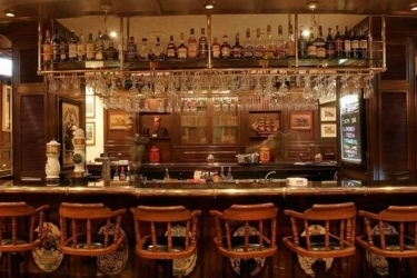 Hotel Marine Plaza: Bar MUMBAI