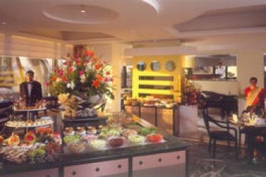 Hotel Marine Plaza: Restaurant MUMBAI