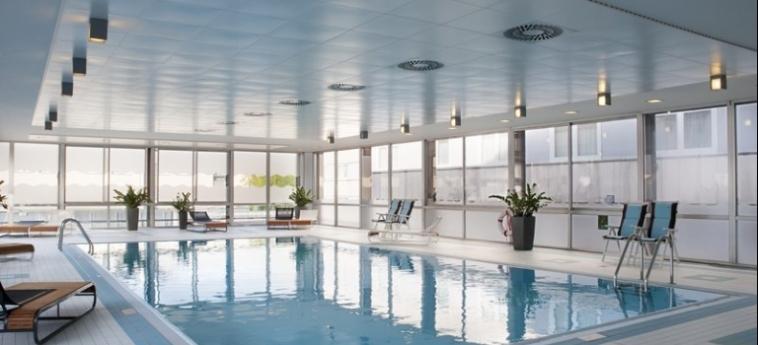 Hotel Holiday Inn Munich City Centre: Innenschwimmbad MÜNCHEN