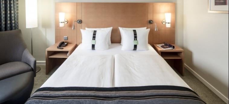 Hotel Holiday Inn Munich City Centre: Schlafzimmer MÜNCHEN