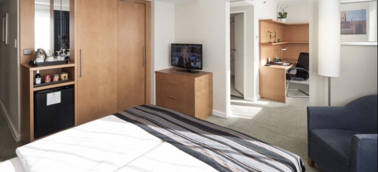 Hotel Holiday Inn Munich City Centre: Zimmer- Detail MÜNCHEN
