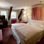ROMANTIK HOTEL HOF ZUR LINDE 4 Stars