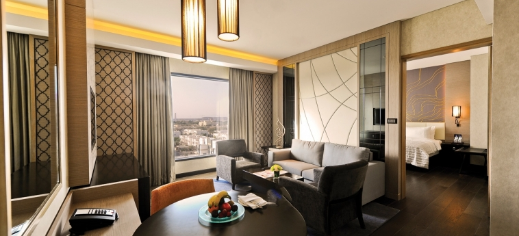 Hotel Hormuz Grand, Muscat A Radisson Collection : Suite Room MUSCAT