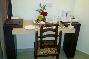Hotel Pine Hill: In-Zimmer Abendessen MUSSOORIE