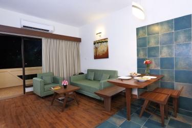 Hotel Pine Hill: Wohnzimmer MUSSOORIE