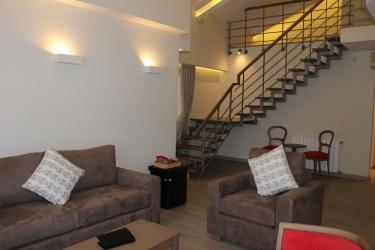 Hotel Mzaar Intercontinental Resort: Living area MZAAR KFARDEBIAN