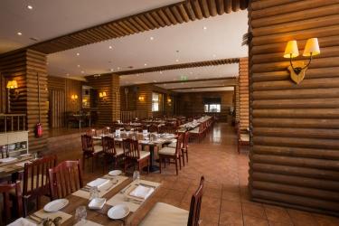 Hotel Mzaar Intercontinental Resort: Restaurant MZAAR KFARDEBIAN