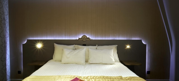 Hotel Chateau De Namur: Habitación NAMUR