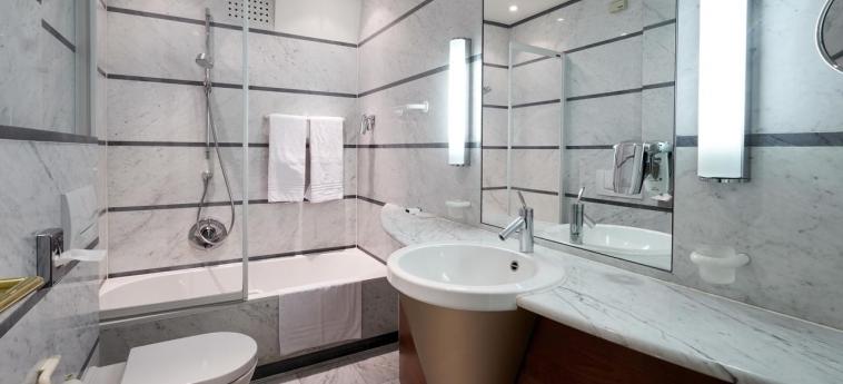 Hotel Chateau De Namur: Salle de Bains NAMUR