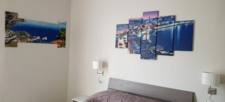 Hotel B&b La Dimora Del Conte: Chambre NAPLES