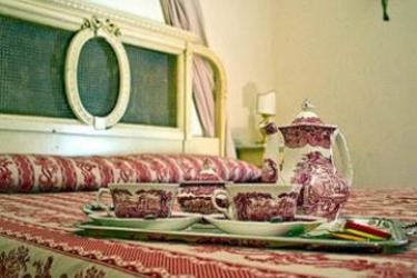 Chiaja Hotel De Charme Antica Casa Lecaldano Sasso La Terza: Chambre Supérieure NAPLES