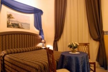 Hotel Napoli Centrale : Exterior NAPLES