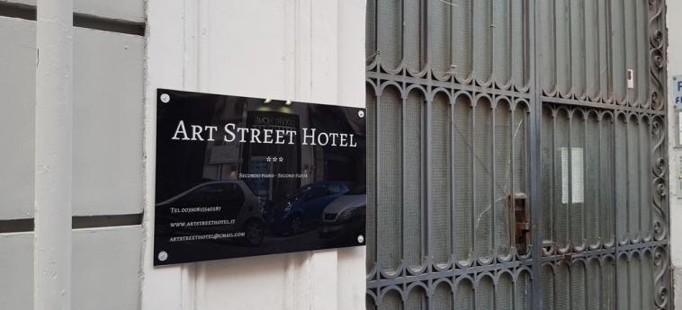 Art Street Hotel: Exterior NAPOLES