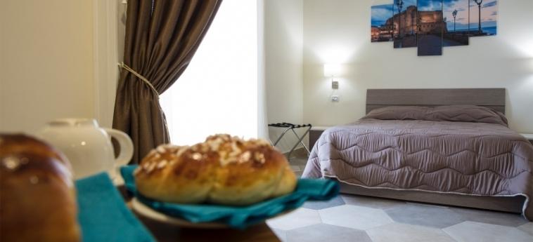 Hotel B&b La Dimora Del Conte: Camera Matrimoniale/Doppia NAPOLI