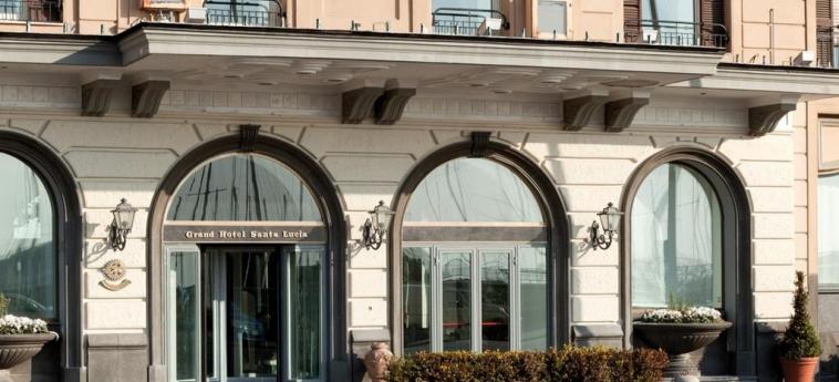Grand Hotel Santa Lucia: Ingresso NAPOLI